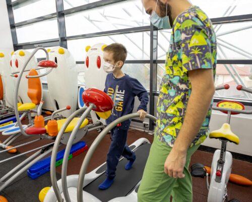 Educația acvatică / inotul și dezvoltarea mentală a copiilor